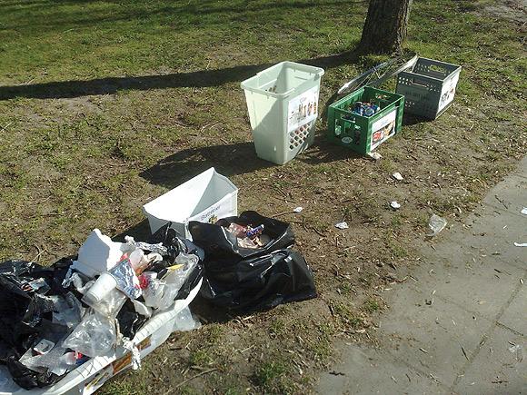 Affaldet blev sorteret i brændbart, jern, dåser, glas og batterier