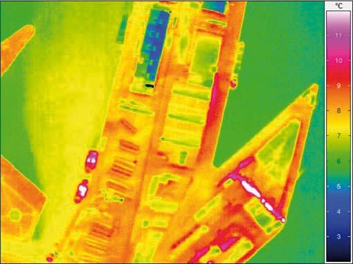 Billedet viser havnen fra Århus. Temperaturforskellen mellem blå og røde farver er ca. 4-6 grader.