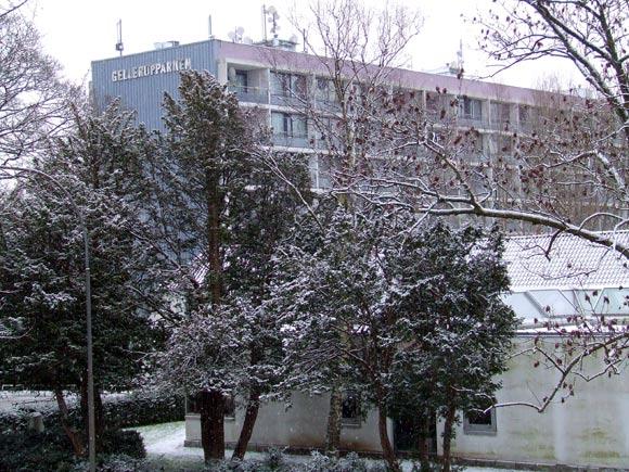 Arkivfoto af Ulrik Ricco Hansen: Gellerupparken med Brabrand Boligforenings admininistrationsbygning i forgrunden