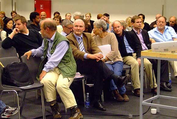 Arkivfoto af Ulrik Ricco Hansen: Fra borgermøde om Helhedsplanen i Globus1, august 2007