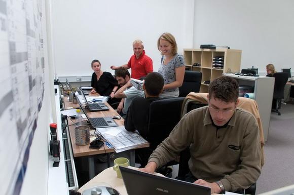 Der er løbende mellem 10 og 20 praktikanter beskæftiget  i Sindslidendes Vilkår