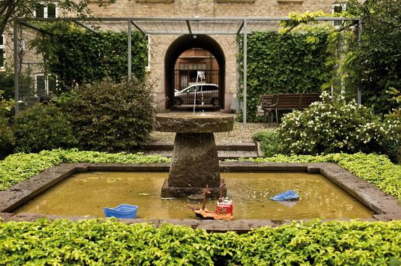 Et lille springvand i Ingerslevgården