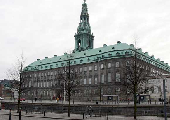 Christiansborg. Arkivfoto: Tomasz G. Sienicki, Wikipedia