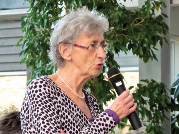 Birthe Rasmussen fortæller levende om regnskabet