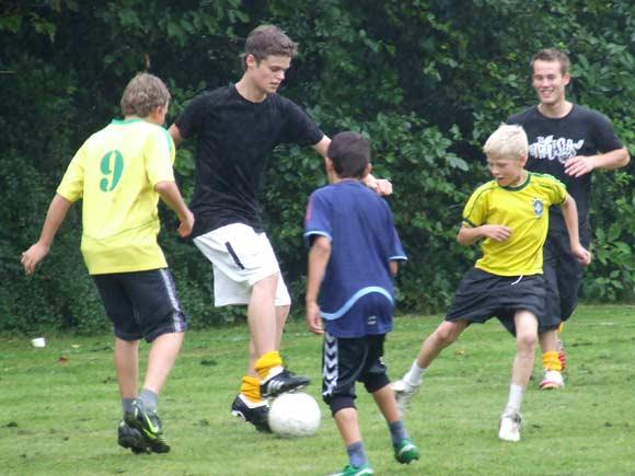 Arkivfoto af Ulrik Ricco Hansen: Den populære fodboldturnering gennemføres også selvom det regner