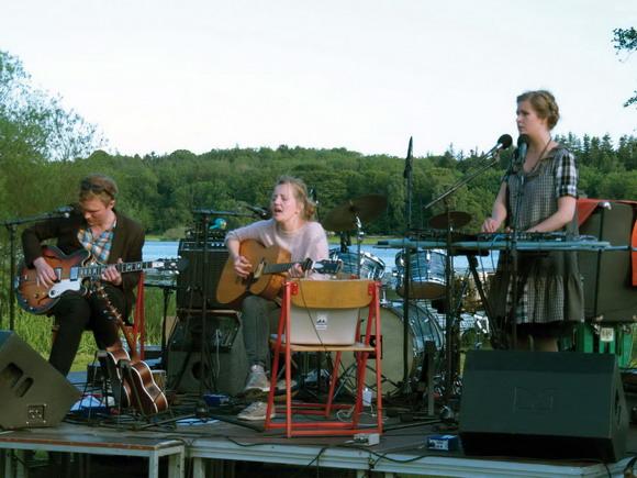 """Arkiv foto af Det gamle Gasværk: Stadepladsen – Bandet """"Er de Sjældne"""" 2010."""