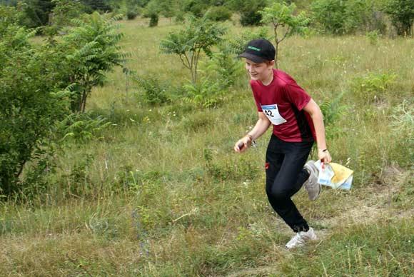 O-løb for alle aldersgrupper. Her ses Marius Gjøderum fra Aarhus 1900 i fuld fart i skoven.