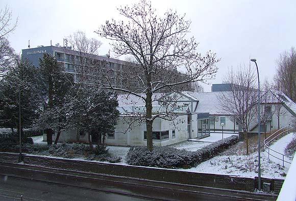 Tousgården med Gellerupblokke i baggrunden. Arkivfoto af Ulrik Ricco Hansen