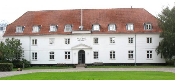 Rødding Højskole - Sønderjylland. Foto: Wikipedia/ Hubertus45