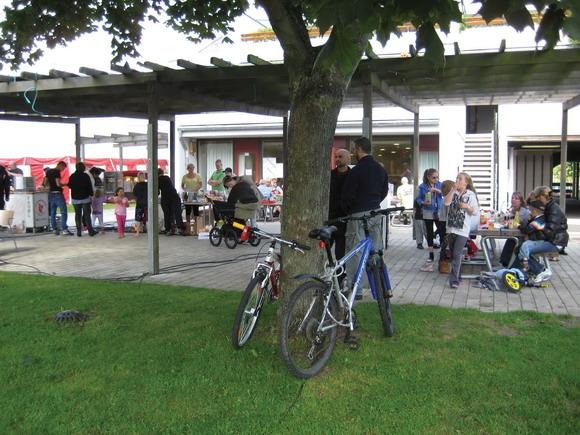 Arkivfoto (kun online) af Jens Skriver: Holmstrups festlokale set udefra ved sommerfest 2011