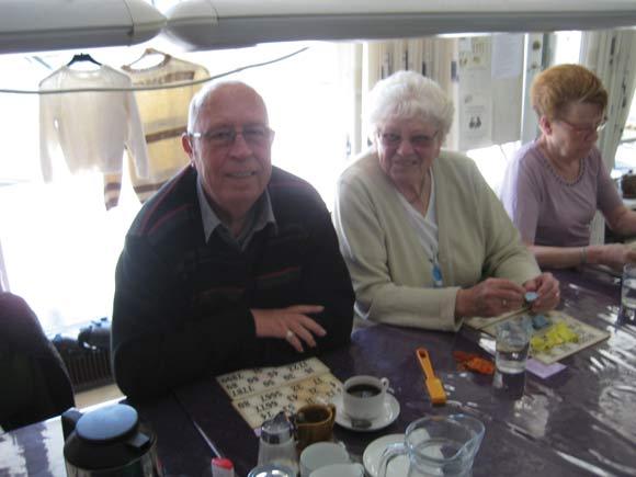 Tonny og Lillian. Th. den mangeårige kontaktperson Gitte Poulsen