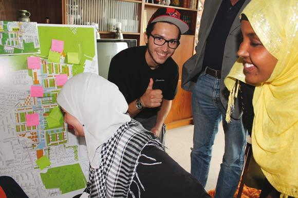 De unge guider var selv med til at planlægge ruterne og bestemme, hvad der vises frem på byvandringerne.