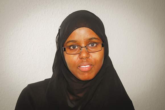 Dega Jama Mohamed er nye medlem af boligforeningens bestyrelse. Hun er vokset op i Gellerupparken, hvor hun også sidder i afdelingsbestyrelsen