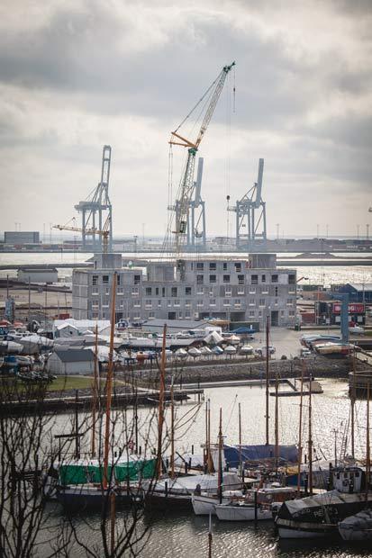 Byggeriet på havnen skrider planmæssigt frem, det er oppe i 4. sals højde. Der bliver udsigt over Århus havn fra alle lejligheder