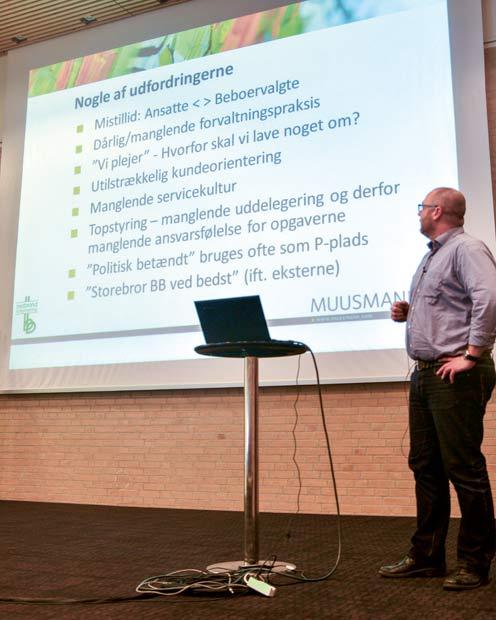 Repræsentant fra Muusmann introducerer deltagerne for dagens tema.