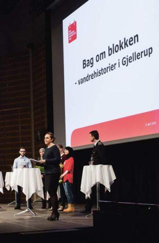 Justitsminister Karen Hækkerup holder tale, inden afsløringen af vinderen.