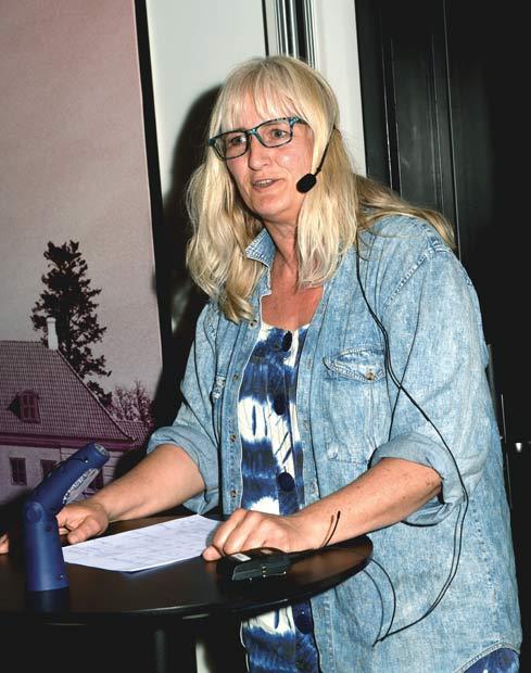 Gellerupparkens formand Helle Hansen fortalte, at der bliver holdt mange møder.