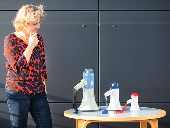 Forsiden: Den nye kommunikationschef i boligforeningen, Lotte Pape. Foto: Martin Krabbe