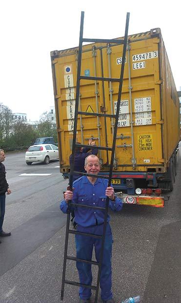 Færdigt arbejde. Seks timer tog det at få pakket den 45 fod store container med 1621 banankasser.