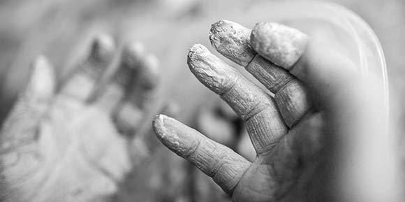 90 år gamle fingre har haft fat i leret.