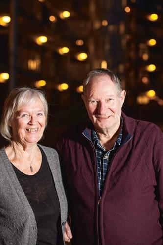 Formand Ib Frandsen viser rundt. Her er han fotograferet med sin kone Anita, og de har boet i afdelingen ca. 8 år.