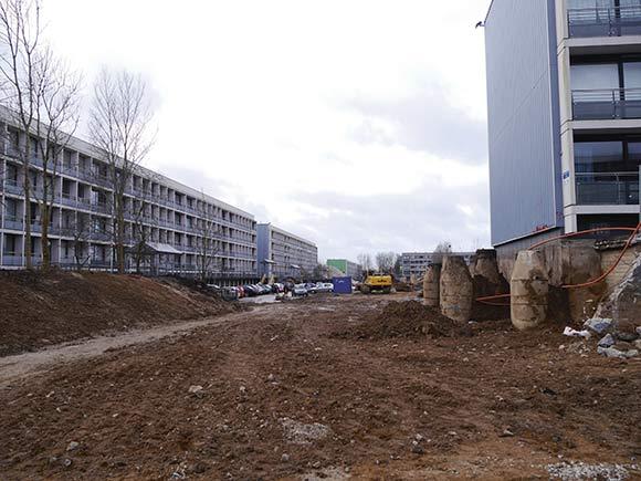 Lige her er man ved at gøre plads til den nye Lottesvej-linje, som skal gå fra Gudrunsvej og ramme den nye bygade. (Foto af Anett S. Christiansen)