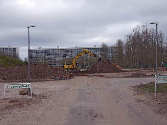 Den nye fodboldbane med kunstgræs ved siden af Gellerup Badet er klar efter sommer.