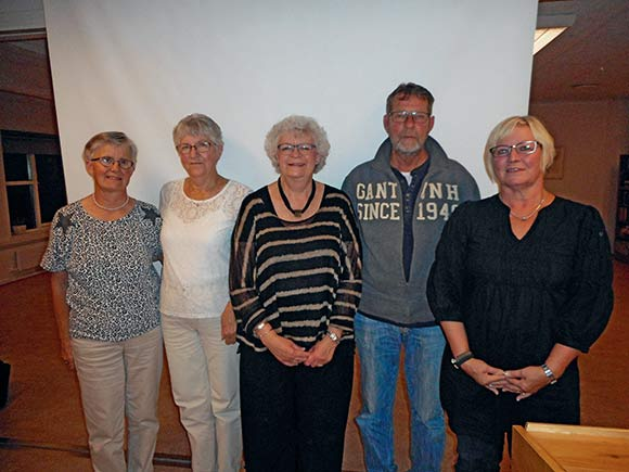 Den nye bestyrelse set fra venstre: Gretha Munk, Inger Nielsen, Aase Asmus Christensen, Søren Lange og Lene Gjørup.