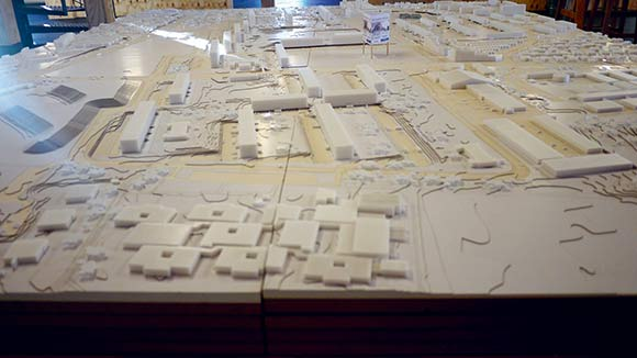 Modellen i skala 1:500 vil løbende blive opdateret med nye byggerier m.m., efterhånden som bydelen ændrer sig. Foto: Elsebeth Frederiksen
