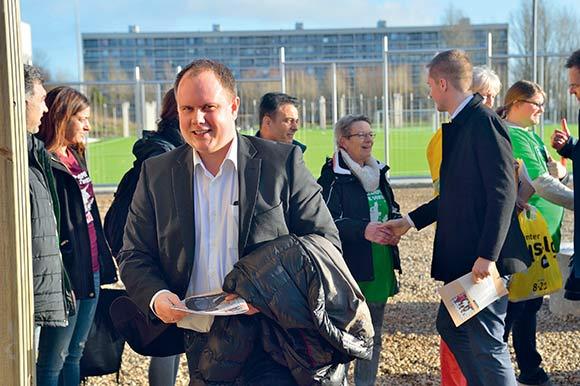 Formanden for udvalget, Martin Henriksen fra Dansk Folkeparti, var også en tur i Gellerup.