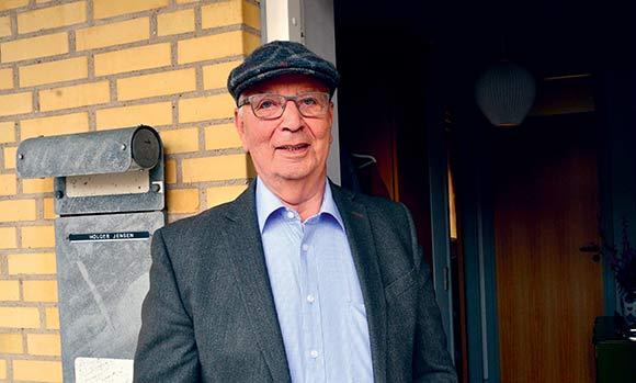 Holger nyder roen og de gode naboer i afdelingen.