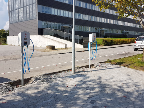 De nye ladestandere er siden mødet blevet sat op på Karensvej.
