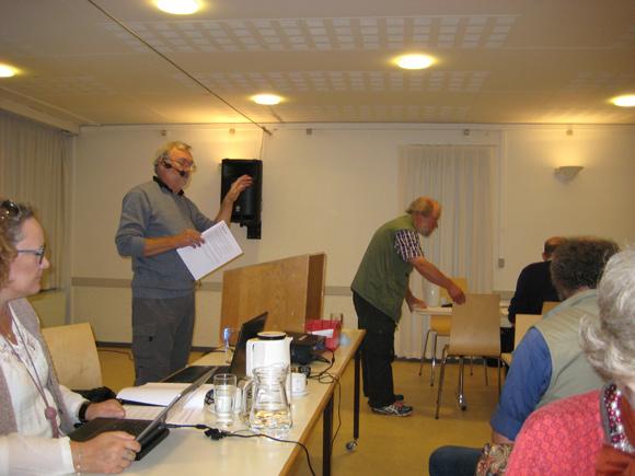 Edwin Juhl aflægger beretning.