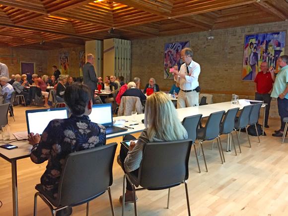 Formand Erik Bløcher gav en fyldig beretning, der blev godkendt af beboerne.