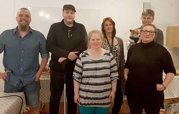 Medlemmerne af bestyrelsen, som var til mødet: Dan Hegelund, Jacob Johannesen (1.-suppleant), Annika Clemmensen, Dorte Nielsen, Peter Johansen + hund og Lene Olm.