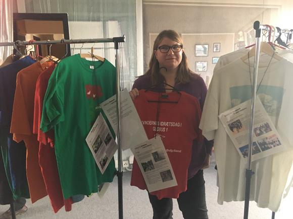 Elsebeth Frederiksen havde samlet historier og billeder sammen men delte også selv nogle med de besøgende.
