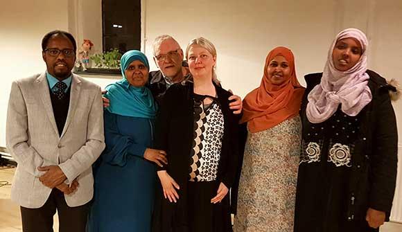 Den nye bestyrelse(fra venstre) Abdi Mohamed, Ilham Mohamed, Anett S. Christiansen, Nawal Haji Mohamoud og Farhiyo Abukar Mohamed. Abdulmalek var ikke til stede, da billedet blev taget.
