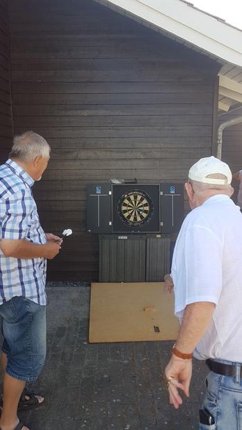 Dartspillerne er lidt uenige om, hvor mange point de får, hvis de rammer bullseye.