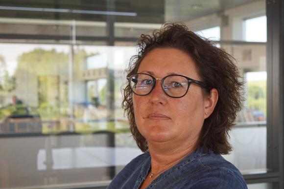 Eva Kalriis-Nielsen har taget kursus i konflikthåndtering, som hun bruger i sit arbejde.