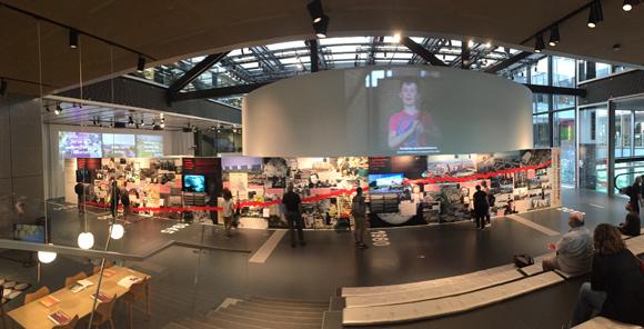 På det overordnede udstillingsværk er Gellerupparken repræsenteret.