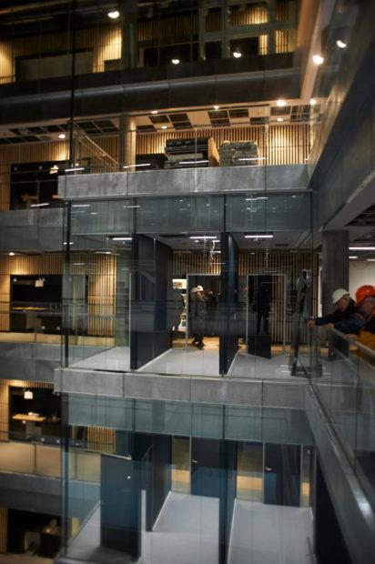 Det bliver åbne kontorlandskaber med små rum til møder og samtaler.