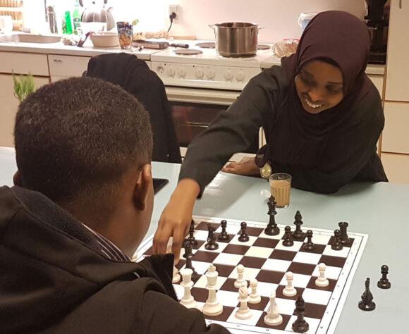 Chai-bryggerne have taget skakspil med til alle og det var populært.