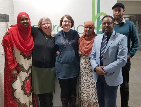 Den nye bestyrelse, fra højre Farhiyo Abukar, Anett S. Christiansen, Maria Breil, Ilham Mohamed, Abdi Mohamud, Abdelmalik Farah. Nawal Haji kunne ikke deltage på mødet.