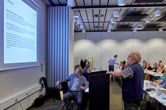 Keld Albrechten præsenterer veltagelsen fra repræsentantskabet