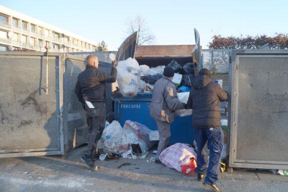 Alt andet end storskrald er der også blandt affaldet.