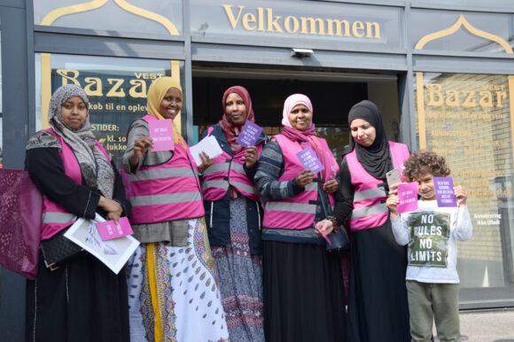 Forsiden:  Bydelsmødrene havde en andel i, at stemmeprocenten var stor ved det nylige valg. Foto Lars Christensen