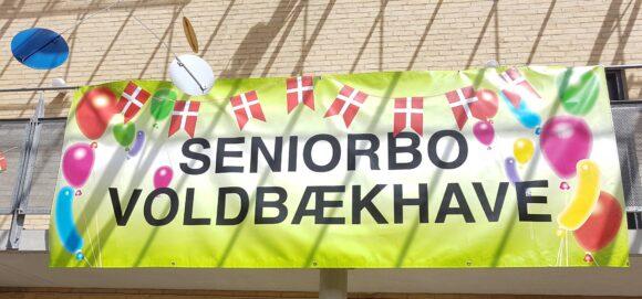 Banner hvor der står Seniorbo Voldbækhave