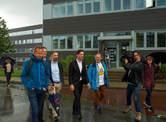 Det var Skovgårdsparkens energirenovering, der bragte boligministeren til Brabrand.