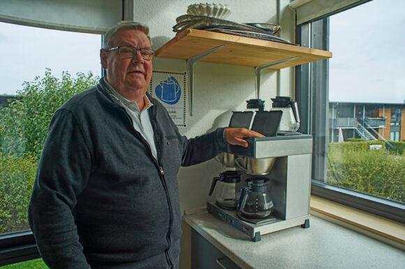 """Benny Pedersen fra dengang Skræppen besøgte afdeling 23 for at se den """"Med Andre Øjne""""."""