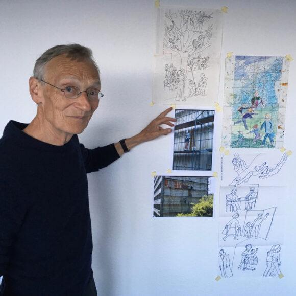 Kunstner Thomas Kruse, som lavede de oprindelige gavlmalerier i 1985 underviser på workshopsene.